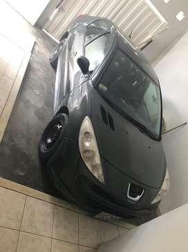 Se vende auto peugeot modelo 207 sedan