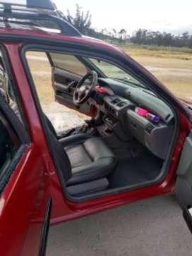 Renault Clio modelo 98 color rojo Documentos vigentes