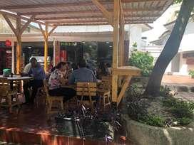 Local comercial en villa country frente las americas