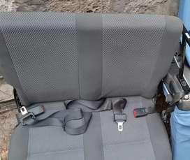 Vendo asientos originales de Nissan Urvan (juego completo)