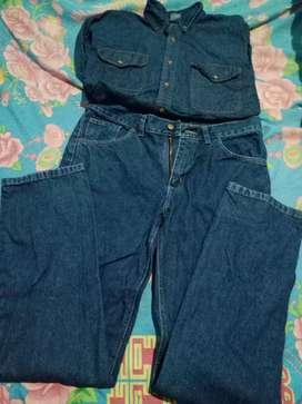 Ropa de trabajo pantalón talle 42 y camisa talle M jeans