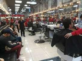 Barbero.  Y Manicurista