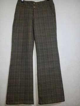 Pantalón botacampana  talla 8 usado, ver descripción