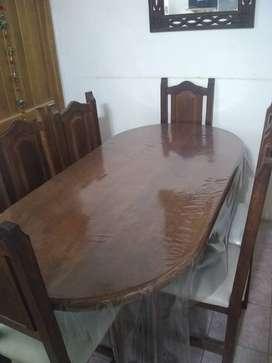 Vendo mesa algarrobo y 6 sillas
