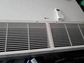 Aire pisotecho 36.000btu LG inverter