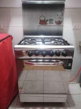 Cocina 4 hormillas y campana extractora SOLE