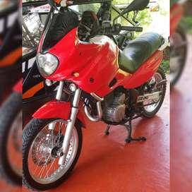 Vendo Suzuki Freewind 650 xf