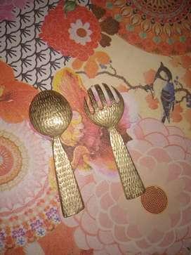 Cuchara y tenedor de bronce