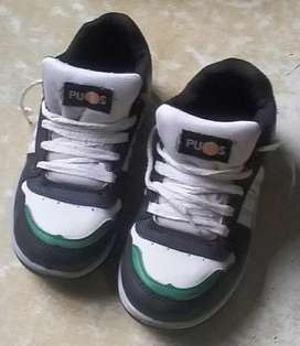 Zapatillas de nene usadas 400$