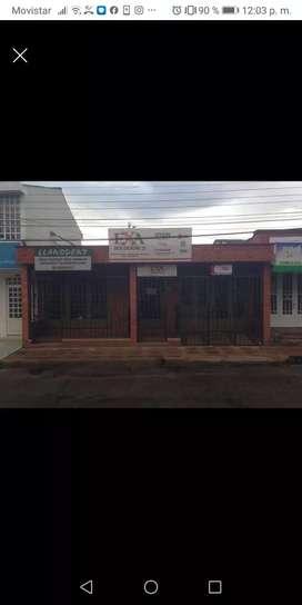 Casa bien ubicada sector salud, comercial y educación barrio Barzal