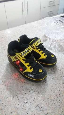 Zapato Patines Heelys Talla 32, Poco Uso