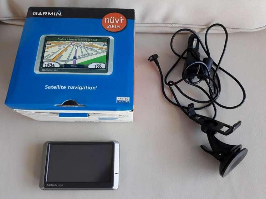 Vendo Navegador Garmin modelo 200 W 0