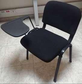 Venta de sillas tipo pupitre con apoya brazos de madera; y Venta de sillas tipo pupitre con asiento y espaldar tela paño