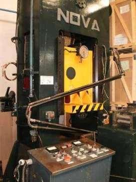 Prensa mecanica NOVA 150 tns-1000 x 700mm