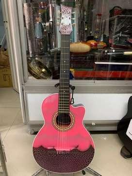 Guitarra acústica tipo Shakira