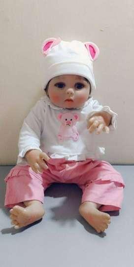 Muñeca en silicona