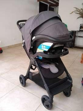 Coche bebe y silla para carro marca Safety 1st