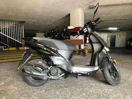 Vendo Moto Automática Twist Kymco