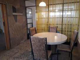Vendo Juego de Comedor. Mesa y 4 sillas. ESCUCHO OFERTAS!!!