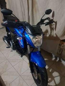 Se vende linda moto Suzuki Gixxer 150 como nueva papeles en regla $2900 negociable