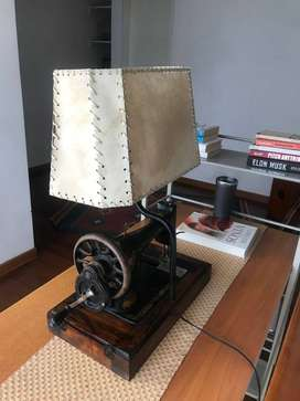 Lámpara base máquina coser antigua