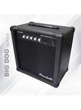 Amplificador de bajo y guitarra marca Randall nuevo.