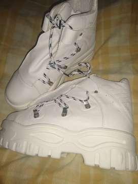 Botas Sneakers blancas