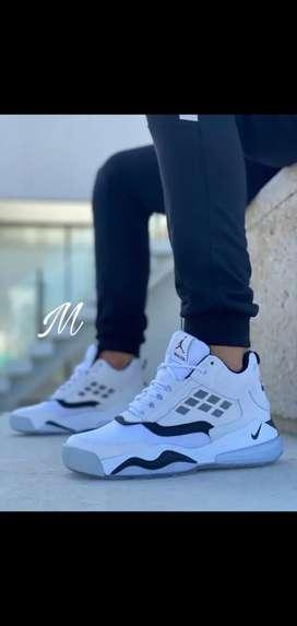 Bota Nike talla 43