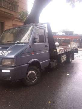 camion de auxilio  mecanico iveco daily camilla hidraulica