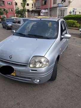 Renault Clio 1.4, 2002 -  $ 10.500.000