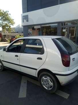 Fiat palio diésel modelo 2000 excelente estado con 245 mil klm