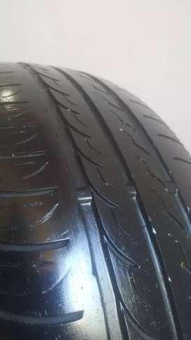 Neumático Pirelli y Firestone