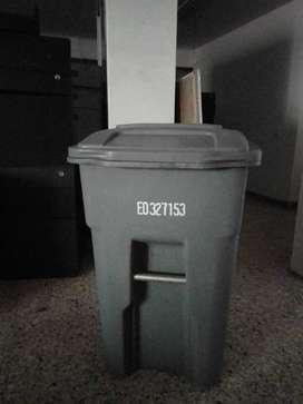 Contenedor de basura Mediano - Buen estado