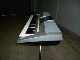 Teclado Yamaha PSR-S900