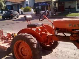 Tractor  U25 con desmalezadora