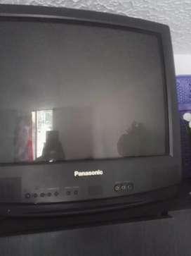 TV  antiguo a color excelente estado
