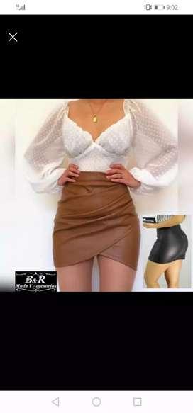 Se vende lindas ropas en ofertas, todas nuevas. Hay talla s m y L