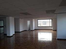 A/ Shyris! oficina en renta de 100 m²  450 USD