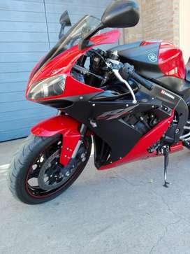 Vendo Yamaha R1 con 23000 Km