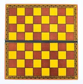 Tablero de Ajedrez Solo Sin Piezas. Medida 33,5cm x 34,5cm de Cartón Plegable.