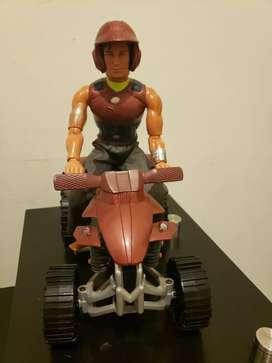 Muñeco de Max Steel de Matel con su cuatrimoto