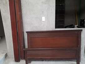 cama en pura madera barata