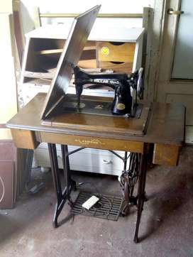 Antigua maquina de coser Singer Riccar Janome pie de hierro roble impecable