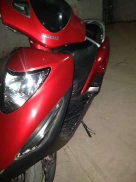 Honda elite 125cc 2010