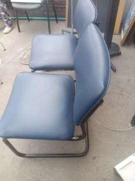 Vendo juego de dos sillas