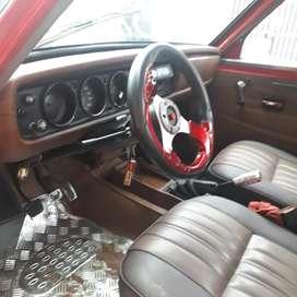 vendo Datsun  1200 año 1995 valor  5000 distribuidor  electrónico tiene servo  llantas en buen estado
