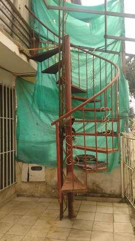 Se vende escalera en caracol