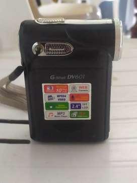 Video camara de pilas 10 megapíxeles en muy buen estado cambio por algo de mi interes