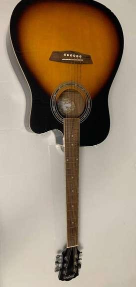 Guitarra electroacústica Washburn con afinador incluido