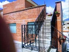 Casa En La Urbanización Del Árbol, Pomasqui, De 220 m2